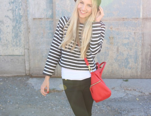 feelwunderbar-fashion-outfitpost-blogger-floppy-hat-stripes-zara-girl-holding-dog-8