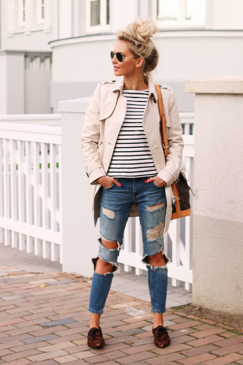 Outfit Casual Style Zara Trenchcoat Rayban Aviator Distressed Jeans Striped Shirt Joe Fresh 4