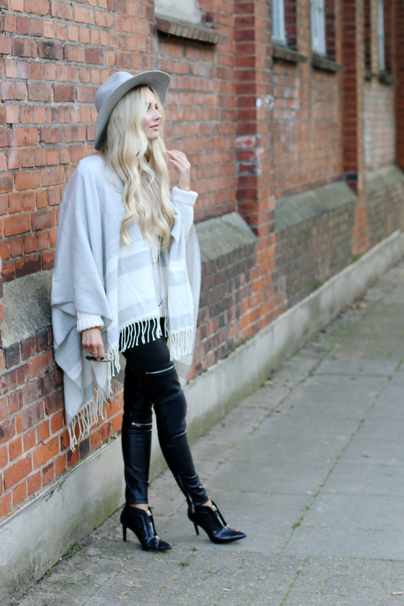Outfit Grey Mango Cape Black Leather Pants Zara Pointed Booties Zara Grey H&M Hat 7