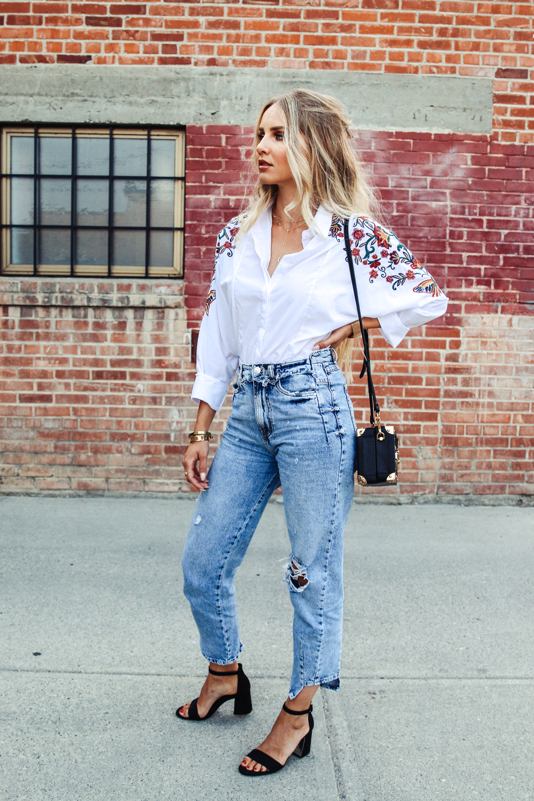 Outfit Embroidered Blouse Mom Jeans Amp Coffer Bag Feel