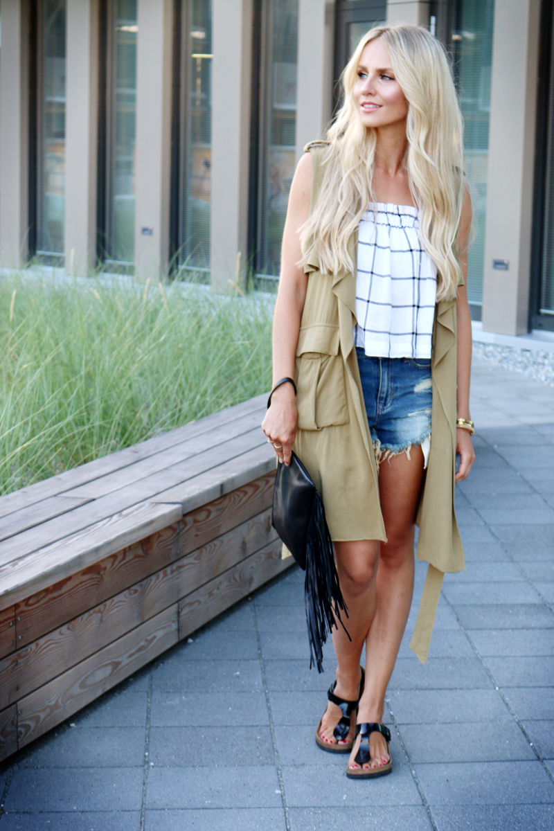 green sleeveless coat styled the casual way feel wunderbar