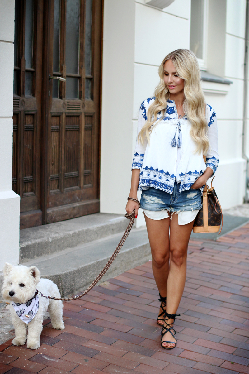 Outfit Zara Embroidered Jacket Shein Jeans Shorts Mango Sandals 6