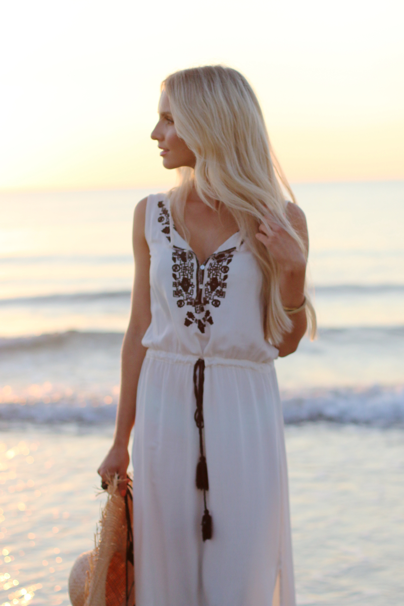 Long white embroidered Dress Zara Shein Summer Beach Outfit 4