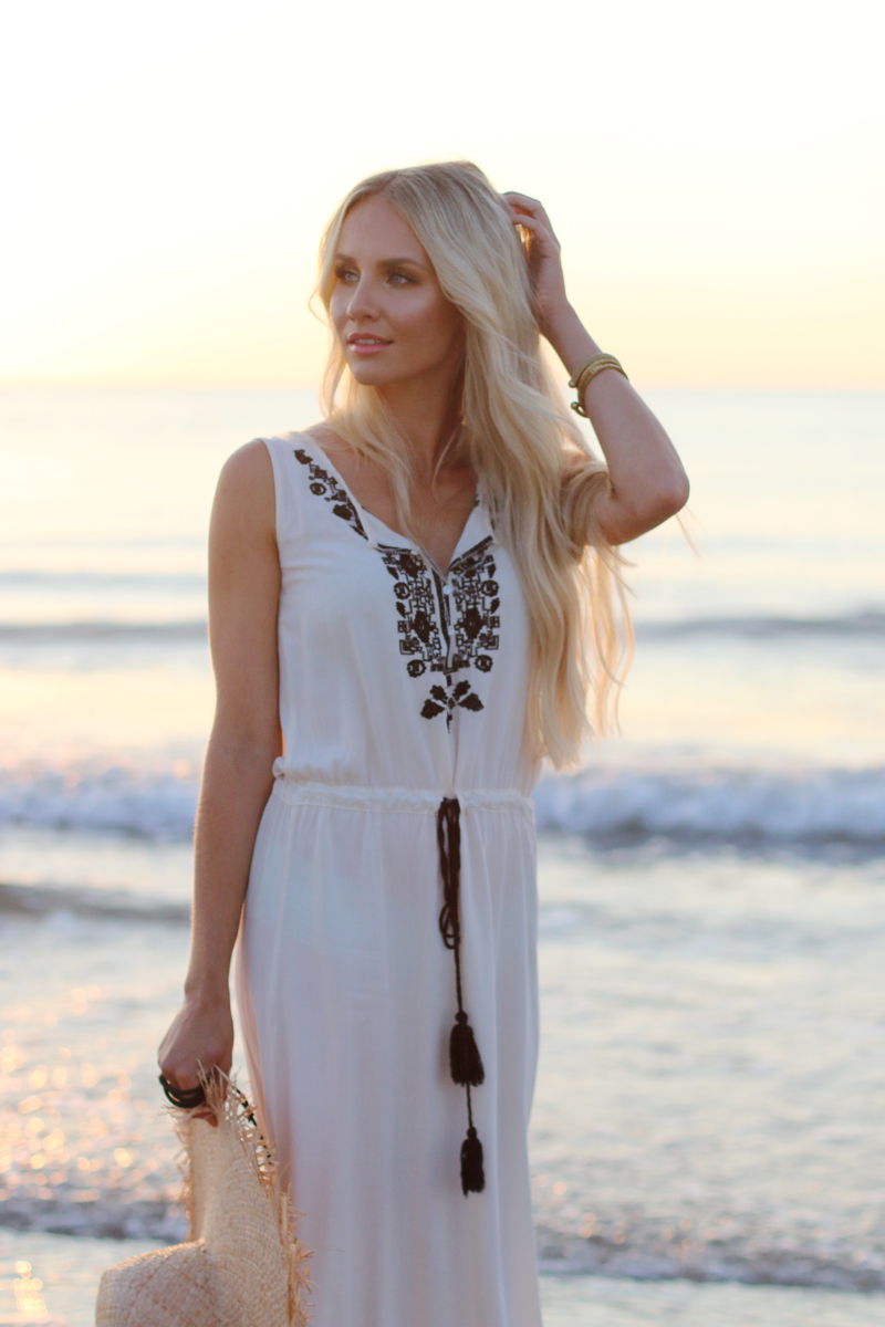 Long white embroidered Dress Zara Shein Summer Beach Outfit 5