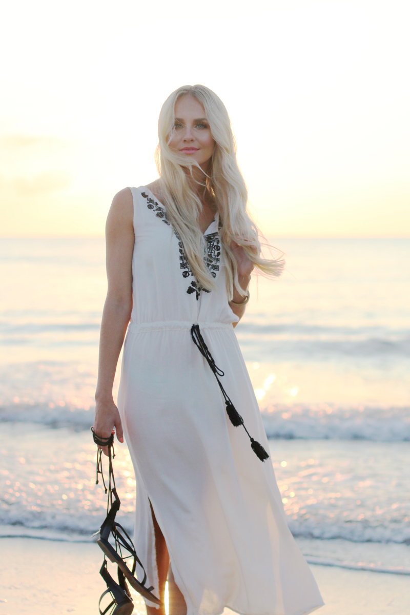 Long white embroidered Dress Zara Shein Summer Beach Outfit