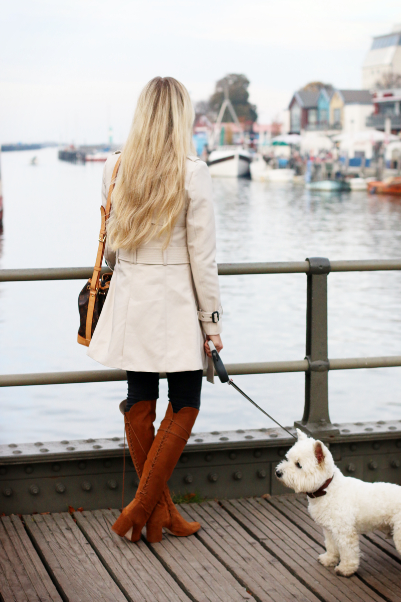 Outfit Trenchcoat by the habour zara knee high boots 3