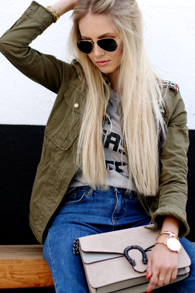 Ok but first Coffee T-Shirt Bershka Khaki Jacket Coppper Birkenstock Fringe Jeans Chloe Lookalike Jessica Buurmann 4