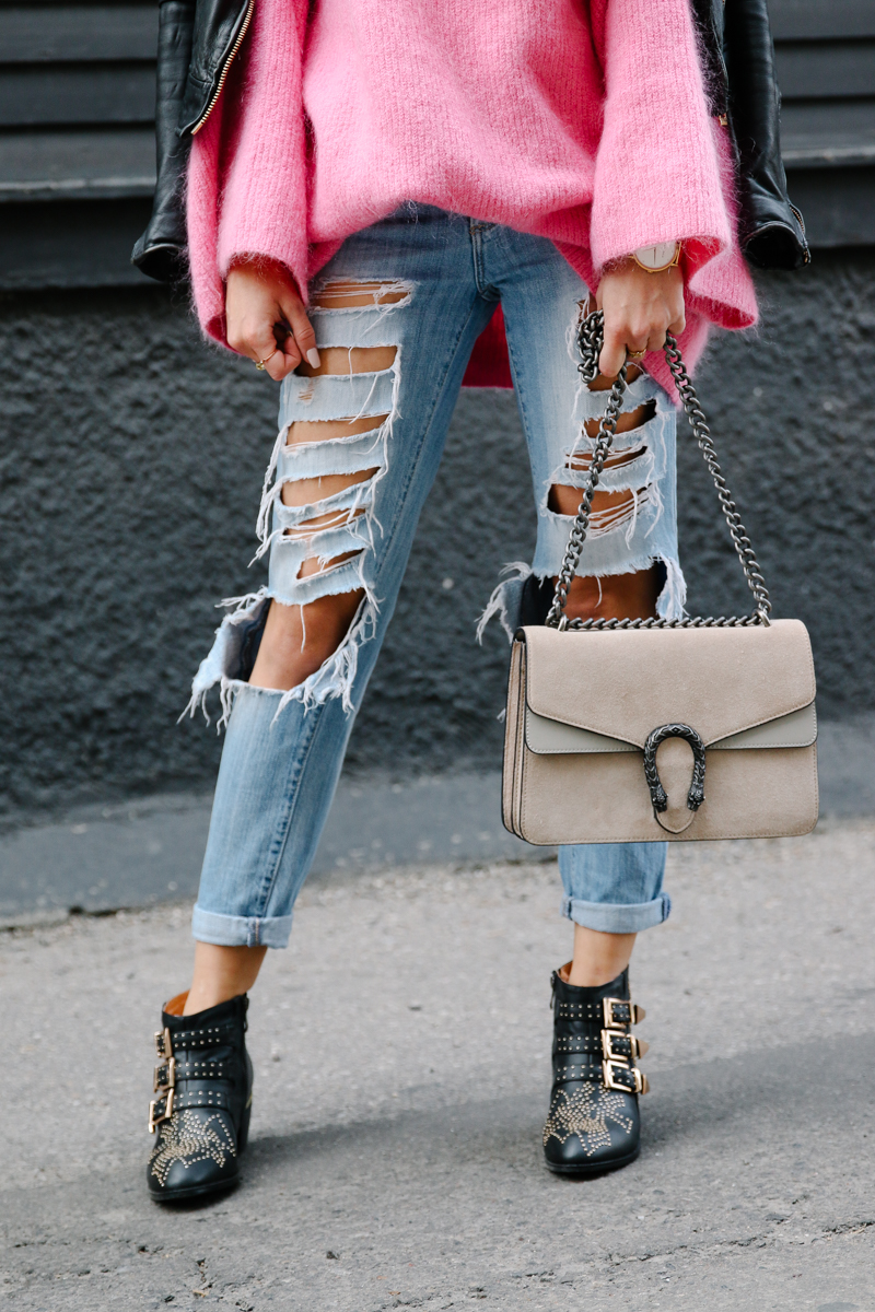 hm-pink-oversized-sweater-gucci-dionysus-ripped-denim-chloe-boots-2