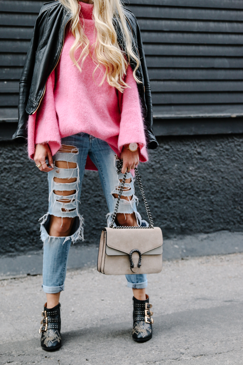 hm-pink-oversized-sweater-gucci-dionysus-ripped-denim-chloe-boots-3