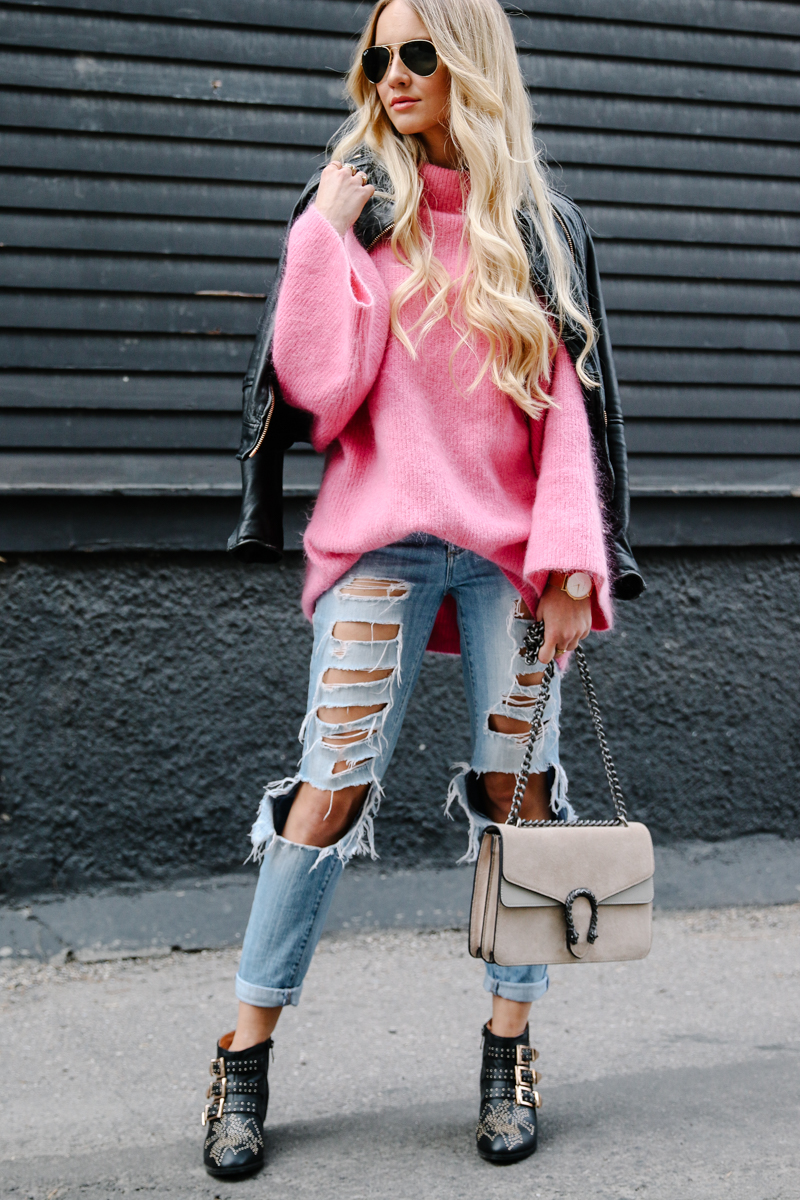 hm-pink-oversized-sweater-gucci-dionysus-ripped-denim-chloe-boots-4