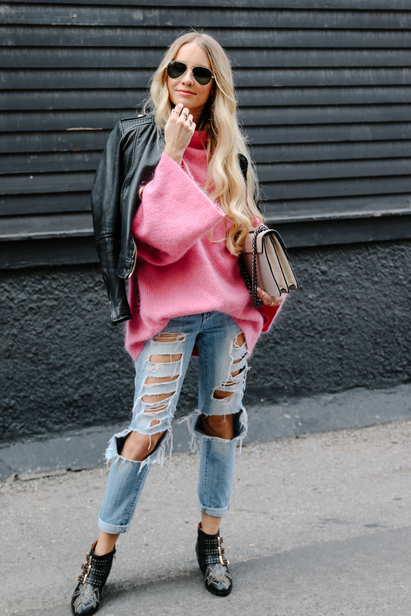 hm-pink-oversized-sweater-gucci-dionysus-ripped-denim-chloe-boots-6