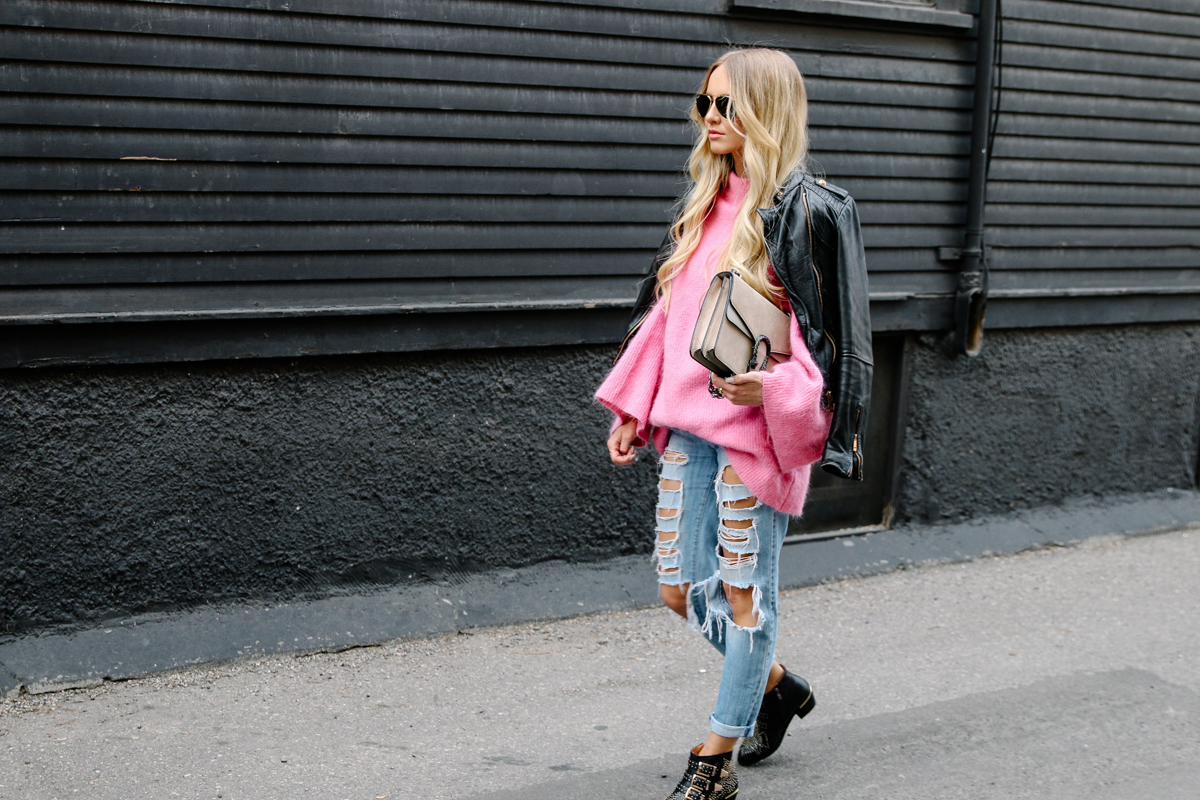 hm-pink-oversized-sweater-gucci-dionysus-ripped-denim-chloe-boots-8