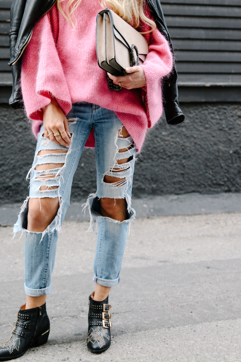hm-pink-oversized-sweater-gucci-dionysus-ripped-denim-chloe-boots-9