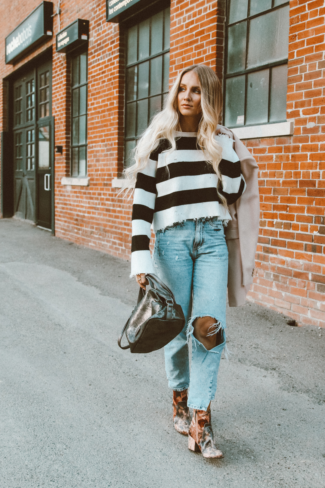 15c180527d Yara Striped Sweater Outfit Zara Ripped Mom Jeans Casual Tamaris velvet  booties-4